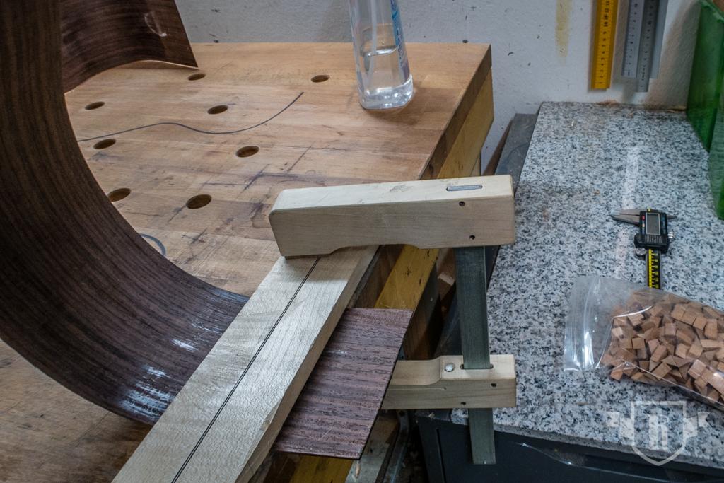 Bau einer Guitarlele: #13 Zargen mit Decke verleimen
