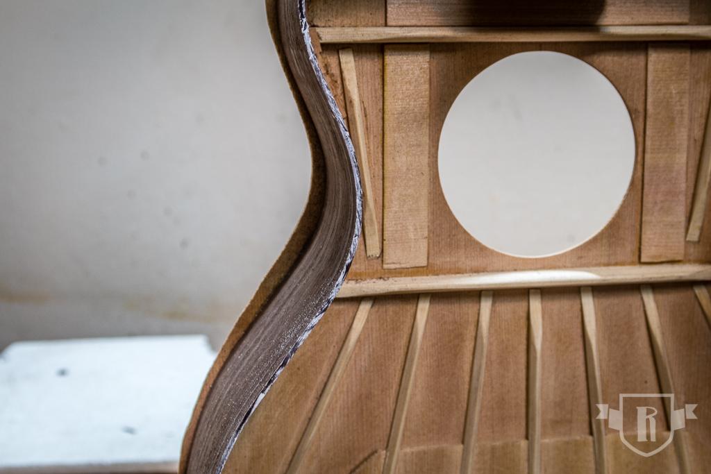 Bau einer Guitarlele: #14 Zargen auf Höhe schleifen
