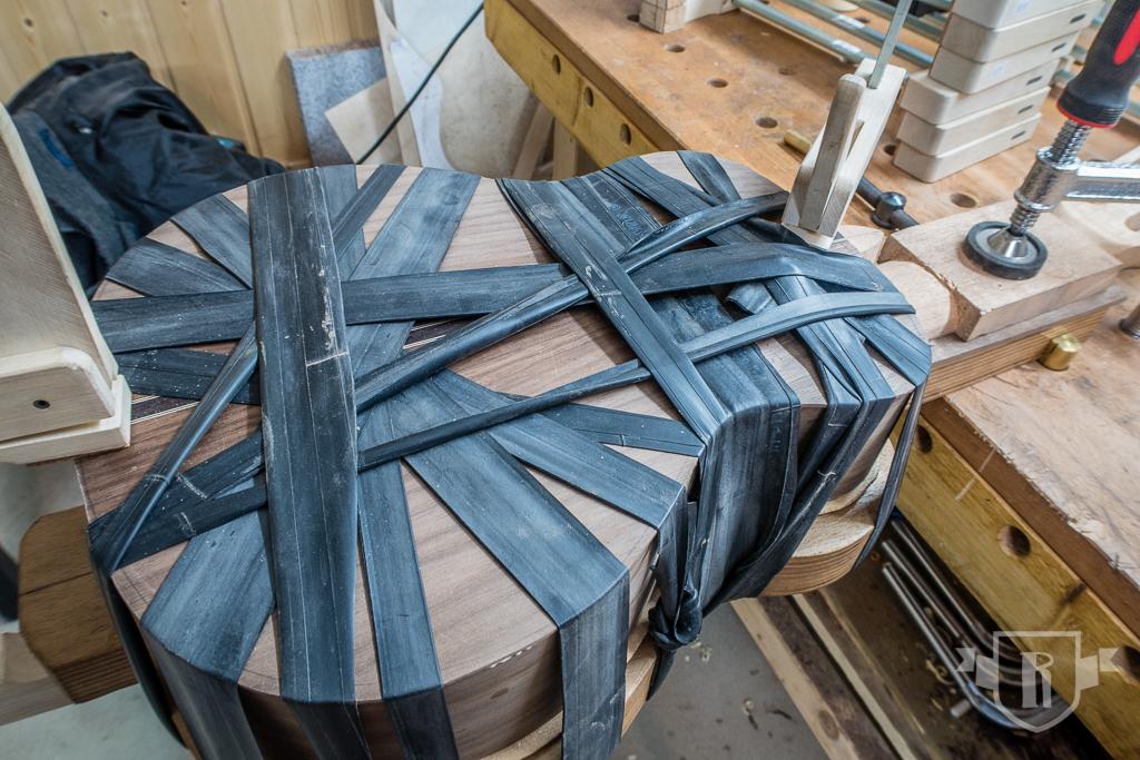 Bau einer Guitarlele: #16 Boden aufleimen