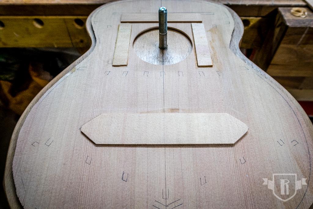 Bau einer Guitarlele: #10 Decke beleisten