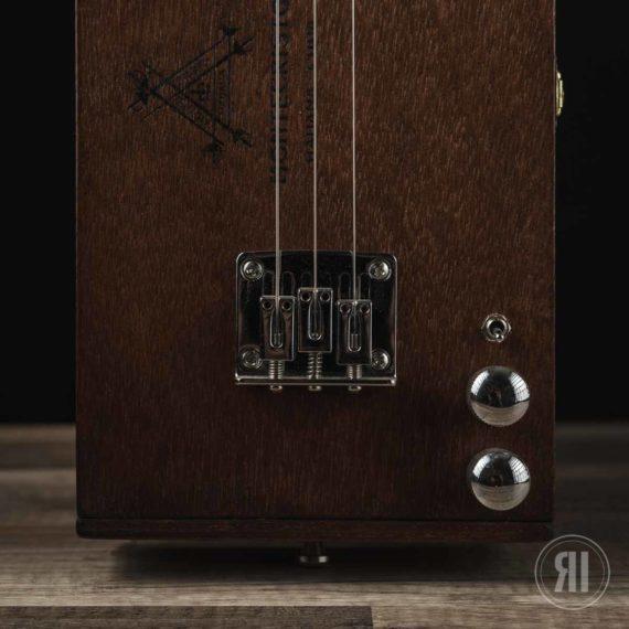 CBG-3-String-Montecristo-with-Humbucker-6